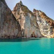 Isola di Palmarola, La Forcina una baia di mare turchese