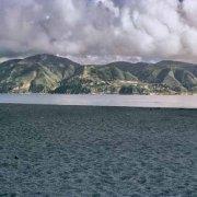 Stretto di Messina Capo Peloro sullo sfondo i monti della Calabria