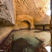 Isola di di Zannone, Peschiera Romana, piscine artificiali scavate nella roccia dove gli antichi romani allevavano il pesce.