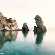 Isola di Ponza, Scoglio Montagnello. Catalogo Foto Ponza.