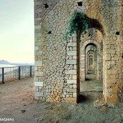 Terracina Tempio di Giove Anxur sullo sfondo il mare e Monte Circeo