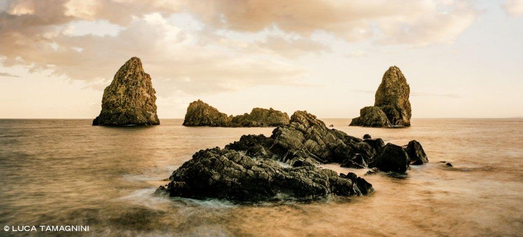 Acitrezza Faraglioni ed Isole dei Ciclopi