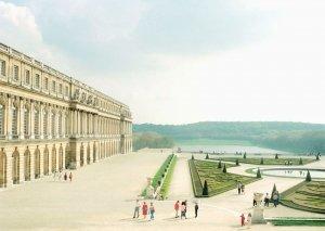 """Luigi Ghirri, Versailles, 1985 - Dal libro """"Sulle fotografie"""""""