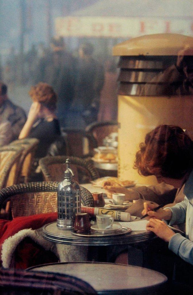 "Saul Leiter, Cafè Paris, 1959 - Dal libro ""Sulle fotografie"""